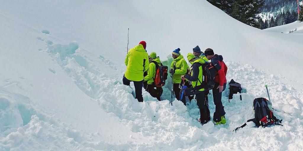 Projekt Fortbildung & Training für Lawinenkommissionen & -experten | LO.LA Alpine Safety Management