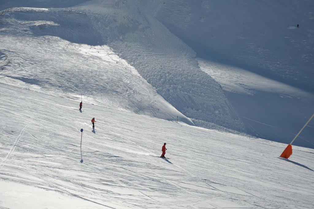 LO.LA Safety Tool, Imagebild Winter, Berg, Piste, Skifahrer | LO.LA Alpine Safety Management