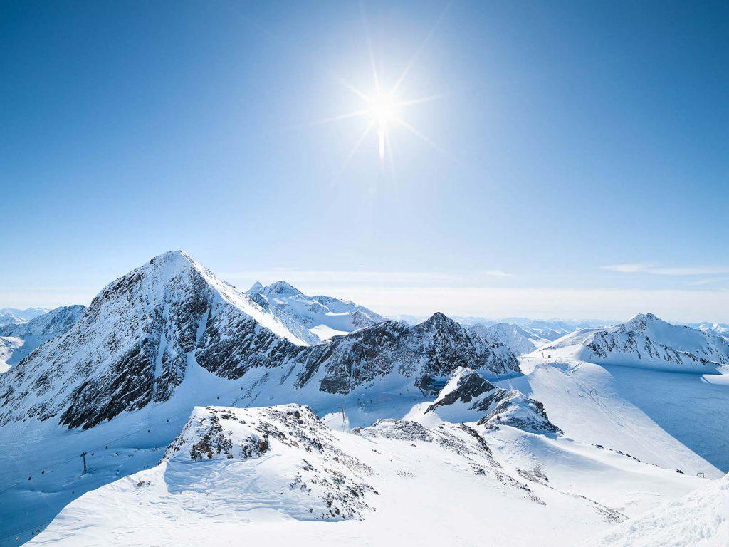 Referenz Stubaier Gletscher, Königliche Fernsicht (Bild: © Stubaier Gletscher, Andre Schönherr) | LO.LA Alpine Safety Management