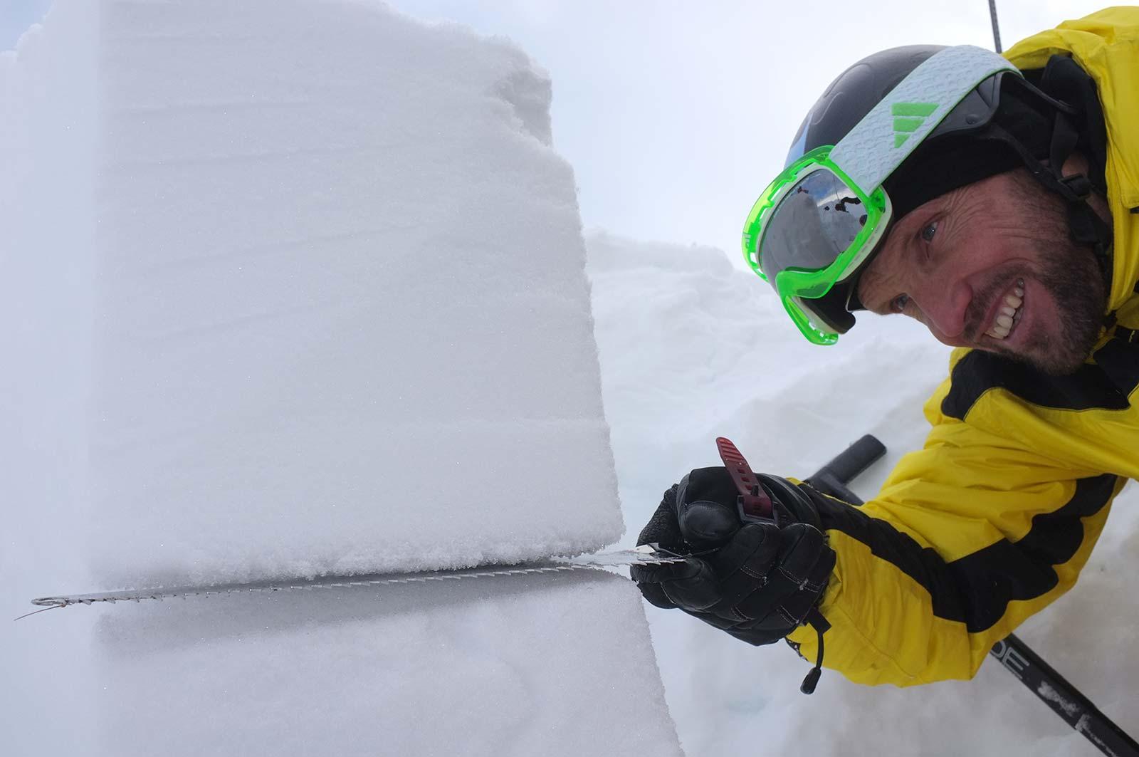 Schneedeckenuntersuchung | LO.LA Alpine Safety Management